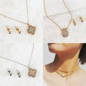Jewelry - Clover Necklace